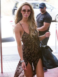 Bohemian: Lauren Pope in floral print maxi dress Double Slit Dress, Dressy Outfits, Fashion Outfits, Lauren Pope, Summer Holiday Outfits, Ibiza Fashion, Classy Fashion, Festival Fashion, Celebrity Style