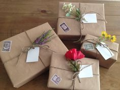 WRAP :: Nature Flower Packages | #gifttags #giftwrap