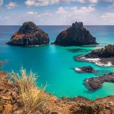Fernando de Noronha comemora 513 anos de águas azul turquesa, flora exuberante e…