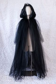 Long Tulle Cape with Hood Halloween Costume for Witch Ghost Spirit Zombie Wraith Specter Banshee or Spook Long Tulle Cape with Hood Halloween Costume for Witch Ghost Spirit Zombie Wraith Specter Banshee or Spook Caro Sternenkind nbsp hellip Costume Halloween, Witch Costumes, Halloween Zombie, Halloween Inspo, Halloween Kostüm, Diy Costumes, Halloween Makeup, Cosplay Costumes, White Witch Costume