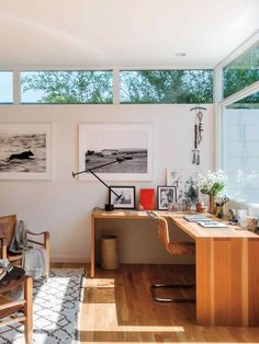 The office easily becomes a guest bedroom, thanks to a Murphy bed and pullout side tables. office Inside an LA Midcentury Mod Makeover Home Office Design, Home Office Decor, Office Ideas, Office Setup, Office Table, Office Workspace, Office Spaces, Office Chairs, Bar Furniture