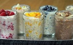 Overnight Oats: Secret To Boosting Your Weight Loss Abilities (And Avoid The Morning Rush) Oatmeal is a quick, healthy, and nutritious breakfast that will help you to start the day in a right way. It contains fiber and many other nutrients. Make Ahead Oatmeal, Overnight Oatmeal, Overnight Oats No Yogurt, Overnight Breakfast, Baked Oatmeal, Nutritious Breakfast, Breakfast Recipes, Breakfast Snacks, Breakfast Smoothies