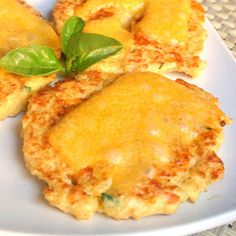 Mom, What's For Dinner?: Cheesy Quinoa Cakes