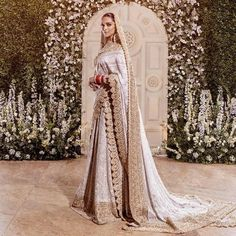 Deepika Padukone in a gorgeous ivory gold saree for her wedding. wedding New Deepika Ranveer Wedding Photos You Have To See Today Asian Wedding Dress, Pakistani Bridal Dresses, Indian Wedding Outfits, Bridal Outfits, Bridal Lehenga, Indian Dresses, Lehenga Choli, Sabyasachi, Bollywood Wedding