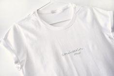 Herziges Damen Langlauf T-Shirt in diversen Farben erhältlich. Design by ©EvaChristl #langlaufen #tshirt #nordicsports #langlaufklassik #geschenk #freundinnen #cruisen #skilaufen