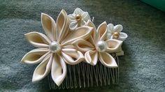 Ivory kanzashi bridal comb