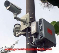 Sizinde çok iyi bildiğiniz gibi kamera güvenlik sistemi artık hayatımızın her alanına girmiş durumdadır. Günümüzde güvenlik kameraları sadece güvenlik için değil farklı operasyon gibi amaçlar içinde yoğun olarak kullanılmaktadır.  Bilindiği gibi şehirlerimizde oluşturulan mobese sistemleri güvenlik kamerası sistemleri ile yapılmaktadır http://blog.guvenlikkamerasistemleri.org