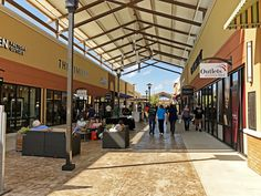 Visited the @outletsoflr during their 1-year anniversary celebration. The Outlets was designed by HFA's Boston team and features level, covered walkways and plenty of outdoor seating to relax or people-watch. Stop by and see it sometime! It's located off Interstate 30 next to Bass Pro Shop.
