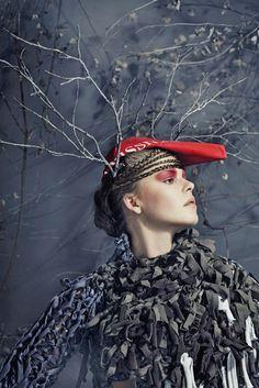 Jelonka modelka: Ania, makijaż: Ula Balińska, stylizacje inspirowane światem zwierzęcym, projektantka: Renata Walla, scenografia i zdjęcia: Kamila Markiewicz-Lubańska