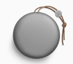 bang-olufsen-beoplay-A1-portable-speaker-designboom-02
