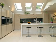 Supplier and installer of Velux windows throughout the South East. We can also help with roof terraces, Velux blinds, solar hot water systems and more. Kitchen Diner Extension, Open Plan Kitchen, New Kitchen, Kitchen Decor, Minimal Kitchen, Gloss Kitchen, Minimal Home, Kitchen Cabinets, Kitchen Living