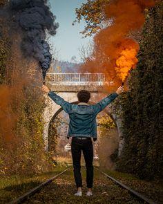 Eines der coolen Bilder aus dem Rauchshooting mit dem lieben Fernando. Mehr Bilder findest du auf meinem Instagram Account: michellecolombo___ und auf www.photodreamrs.com Portrait, Railroad Tracks, Instagram, Cool Pictures, Headshot Photography, Portrait Paintings, Drawings, Portraits, Train Tracks