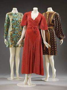 Three patterned ensembles, Mary Quant, London, 1964 – Museum no. & © Victoria and Albert Museum, London. 60s And 70s Fashion, Retro Fashion, Vintage Fashion, Club Fashion, Fashion News, Fashion Trends, Fashion Model Poses, Fashion Models, Fashion Outfits