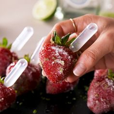 How cute are these little pipettes? We trimmed the ends off of ours so they were just the right length for our strawberries. Make sure you mix the margarita in a measuring cup for an easy pour. Alcoholic Desserts, Dessert Drinks, Fun Drinks, Dessert Recipes, Party Drinks, Alcoholic Shots, Party Recipes, Mixed Drinks, Beverages