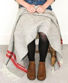 Herringbone 2 Stripe wool knee rug - Grey/Red