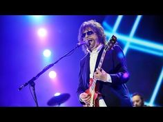 ▶ Jeff Lynne's ELO - Mr. Blue Sky at Radio 2 Live in Hyde Park 2014 - YouTube