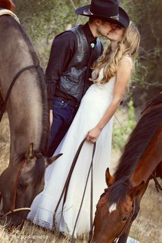 Country Wedding Couple Photography//something like this but with wiley and eva?