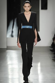 Pamella Roland Fall 2016 Ready-to-Wear Fashion Show  http://www.theclosetfeminist.ca/  http://www.vogue.com/fashion-shows/fall-2016-ready-to-wear/pamella-roland/slideshow/collection#7