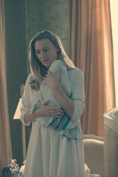 It's been several weeks since June gave birth on The Handmaid's Tale Season 2 Episode but she's not doing as well as she should be at. The Handmaid's Tale Book, Handmaid's Tale Tv, Movies And Series, Movies And Tv Shows, Tv Series, The Handmaid's Tale Characters, Joy Costume, A Handmaids Tale, Handmade Tale
