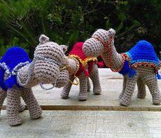 Crochet Christmas Decorations, Christmas Crochet Patterns, Holiday Crochet, Crochet Stitches Patterns, Crochet Patterns Amigurumi, Felt Patterns, Crochet Cross, Free Crochet, Christmas Nativity Set