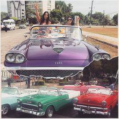 Un auto? Esto sí que son autos. En Cuba todos tienen autos de años oro no existe el comercio internacional de importación de autos. Es realmente hermoso / a car? This is really a car in Cuba. Everyone have these gold's car cuse' is prohibited the internacional car's importation business  #Cuba #comunista #noimportacion #noderecho #antiguedad #autos #rent  #años de #oro #hermoso #comunismo #viaje #hermanas de #colores #historia y #felicidad en la música. by daniellacesani