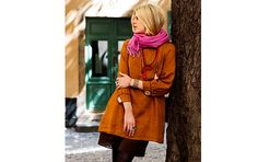 Tunik Ane with dress Mia, both in 100% linen. Pink scarf in soft wool completes the look.