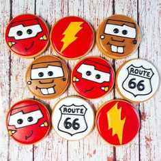 trendy cars rayo mcqueen y mate Disney Cars Cake, Car Cookies, Mcqueen Cake, Preppy Car Accessories, Twin First Birthday, Car Themes, Cars Birthday Parties, Lightning Mcqueen, Cookie Decorating