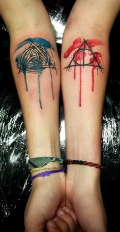 (el cuervo ink) i reeeeally like this. i want the masks done in black and grey and then watercolor like this on top.