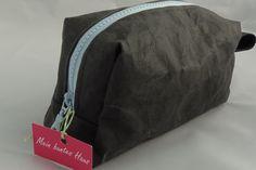 Kulturbeutel - Kosmetiktasche SnapPap schwarz - ein Designerstück von Michaelathurner bei DaWanda