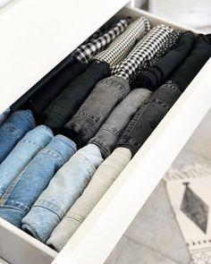 Clothes Drawer Organization, Closet Organisation, Home Organization Hacks, Closet Designs, Closet Bedroom, Room Inspiration, Room Decor, Decoration, Organized Bedroom