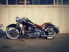 """the latest on my Harley softail deluxe: custom 21x3.5"""" softlip in a 120 tire."""