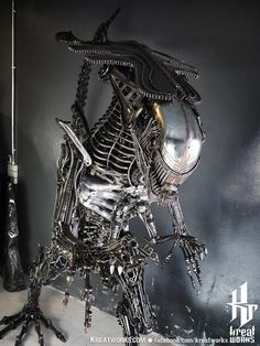 IN STOCK : Recycled Metal Queen Monster  2.5 m / 8.2 by Kreatworks