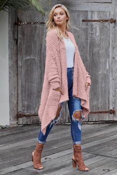 Pink winter baggy cardigan coat size M on Mercari Winter Cardigan Outfit, Cardigan Outfits, Cardigan Rosa, Pink Cardigan, Rustic Outfits, Cheap Cardigans, Winter Stil, Long Winter, Baggy