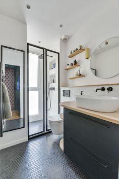 Appartement Paris 18 37 M2 Avec Rangements Sur Mesure Lavabo Salle De BainSalle