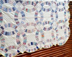 Vintage Quilt, Double Wedding Ring, 1920s Feedsack, Hand Quilted.