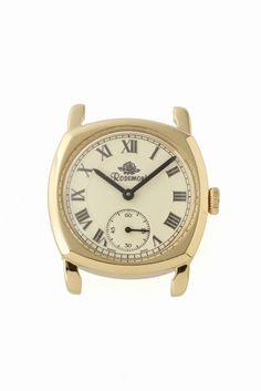 N001-YWR  N001-YWR 18360 Rosemont Nostalgia選べるベルトフェア対象商品 Rosemont Nostalgia/N001-YWR クッションタイプと呼ばれ 1920後半1940年代に流行した形 N001-YWRモデルには文字盤のデザインを引き締める 黒針を採用しています お好みのベルトをお選びいただき自分らしい腕時計を カスタムしてみてはいかがでしょうか 素材ステンレス ムーブメントクォーツ 防水性3気圧防水 保証書について 保証書は購入明細書納品書と合せて保管していただきますようお願いします 修理の際は保証書と購入明細書納品書を合わせてご提出ください ご購入の注意点 こちらは時計本体のみの販売となっております この商品のケースカラーはゴールドです ベルトをお買い求めの際はゴールドの尾錠がついたベルトをご購入ください