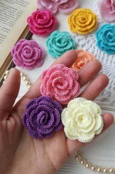 Roses Au Crochet, Crochet Puff Flower, Crochet Flower Tutorial, Crochet Flower Patterns, Crochet Motif, Crochet Flowers, Crochet Baby, Free Crochet, Simple Crochet