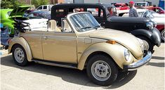 This is a 74 convertible sunbug; mine was a 75 sunbug with sunroof.maybe mine was actually a 74 model, all i can find are 73 or 74 sunbugs. Vintage Cars, Antique Cars, Vw Cabrio, Vw Super Beetle, Custom Cars, Convertible, Volkswagen, Classic Cars, Vw Bugs