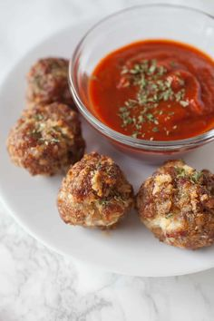 Looking for a quick and easy appetizer for the Big Game? These ricotta stuffed sausage meatballs are so easy to make. Your football friends will go wild for these quick baked ricotta stuffed sausage meatballs at your Big Game party! Summer Appetizer Recipes, Quick Lunch Recipes, Asian Appetizers, Quick And Easy Appetizers, Top Recipes, Healthy Dinner Recipes, Party Recipes, Party Food Meatballs, Sausage Meatballs