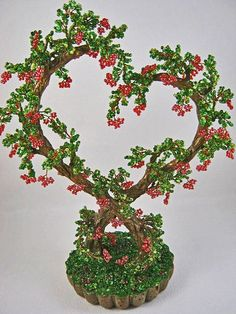 Деревья из бисера для влюбленных. Продолжение темы ниже... Ming Tree, Crochet Slipper Boots, Crochet Bookmark Pattern, French Beaded Flowers, Heart Tree, Wire Trees, Beaded Crafts, Jewelry Tree, Wire Art