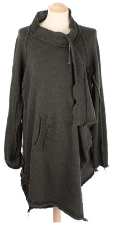 Would totally wear this in the fall with some leggings and Uggs! Love love love!
