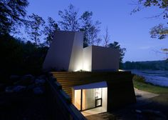 Taylor and Miller's sculptural lake house in Massachusetts