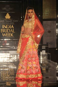 Pallavi Jaikishan Show At Ambey Valley Indian Bridal