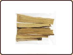 Palo Santo is vaak gebruikt voor:  •        meditatie,  •        zuivering,  Het verbeteren van de energiestroom in het lichaam,  •        Het afweren van slechte energie,  ongeluk en calamiteiten.    De Palo Santo is compleet zuiver (puur hout) Je kunt ze in korte tijd aansteken van  een paar seconden tot aan een minuut.  Bij voorkeur in de Zuid Amerikaanse tijgerschelp.  Terwijl het hout verbrand zal de ruimte zich vullen met een zoete, harsachtige geur.