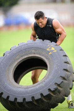 South African rugby star Pierre Spies - strength training