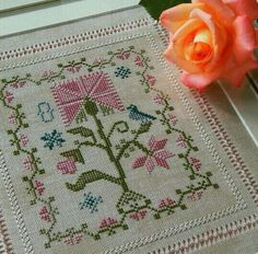 This Pin was discovered by Sel Cross Stitch Love, Cross Stitch Samplers, Cross Stitch Flowers, Cross Stitch Charts, Cross Stitch Designs, Cross Stitching, Cross Stitch Patterns, Folk Embroidery, Hand Embroidery Stitches