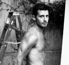 Pretty Little Liars' Julian Morris strips naked — and we do mean butt-naked — for a steamy photo shoot! Julian Morris, Oliver Jackson Cohen, Hot British Actors, Hot Actors, Vanessa Redgrave, Pretty Little Liars, Bae, Magazine Pictures, Perfect People