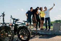 #iledorleans #selfie #electricbikes #quebecregion #iledorleans #tourism #tours Beaux Villages, Tours, Tandem, Electric, Bicycle, Selfie, Italian Garden, Beautiful Moments, Children Playground