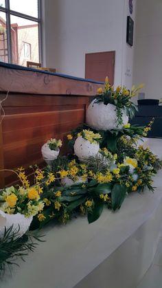 2017년도 양주2동성당 부활대축일꽃꽂이 : 네이버 블로그 Church Interior Design, Easter Flowers, Church Flowers, Arte Floral, Ikebana, Backyard Landscaping, Floral Arrangements, Garden Design, Floral Design