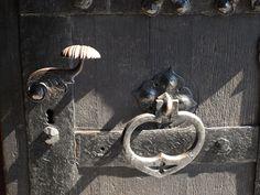 kołatka w głównym wejściu - zamek Czocha,Poland